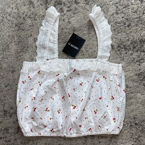 {NWT} Cherry Print Ruffle Eyelet Lace Crop Top